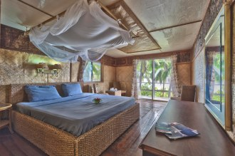 Guest room, interior Queen Fale