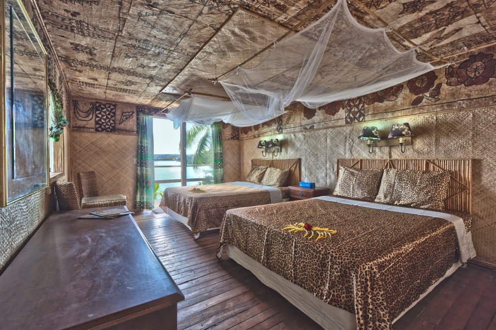Guest room, interior twin double Fale